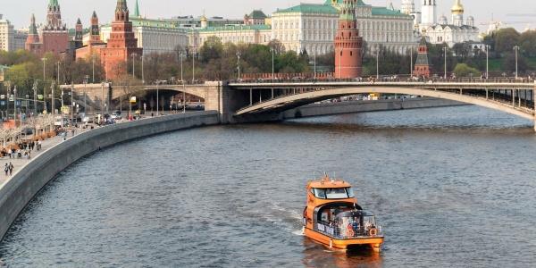 Прогулки по реке Москве на теплоходе